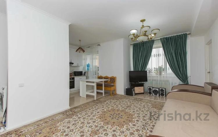 3-комнатная квартира, 65 м², 15/24 этаж, Кайыма Мухамедханова за 22.8 млн 〒 в Нур-Султане (Астана), Есиль р-н