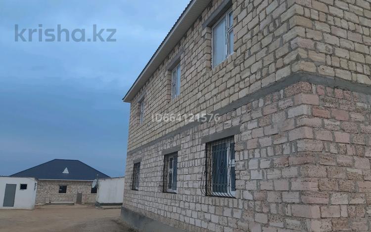 8-комнатный дом, 360 м², 15 сот., 4 квартал за 18 млн 〒 в С.шапагатовой