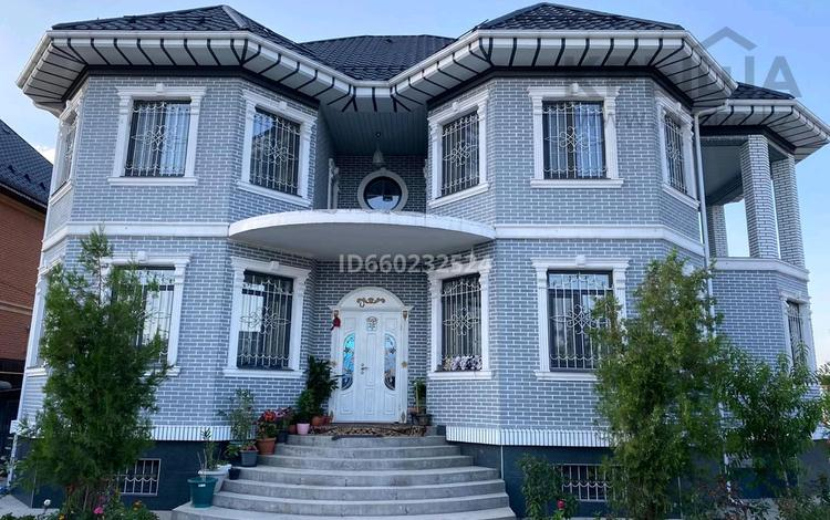 7-комнатный дом, 500 м², 12 сот., мкр Мадениет 22 за 120 млн 〒 в Алматы, Алатауский р-н