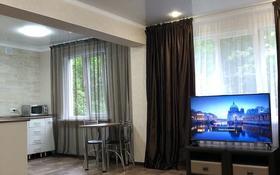 1-комнатная квартира, 33 м², 1/5 этаж посуточно, Астана 8/2 за 10 000 〒 в Усть-Каменогорске