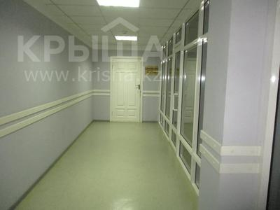 Здание, площадью 1684 м², Пожарского 60А за ~ 128.2 млн 〒 в Актобе — фото 11