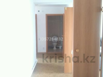 2 комнаты, 80 м², Чокина 155/5 — Академика Чокина - Павлова за 25 000 〒 в Павлодаре — фото 11