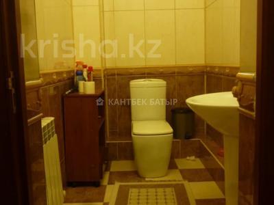 5-комнатный дом помесячно, 220 м², 8 сот., Афцинао — Шаляпина за 500 000 〒 в Алматы, Ауэзовский р-н — фото 13
