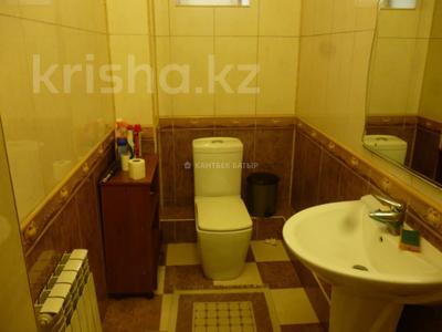 5-комнатный дом помесячно, 220 м², 8 сот., Афцинао — Шаляпина за 500 000 〒 в Алматы, Ауэзовский р-н — фото 18