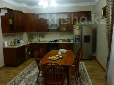 5-комнатный дом помесячно, 220 м², 8 сот., Афцинао — Шаляпина за 500 000 〒 в Алматы, Ауэзовский р-н — фото 19