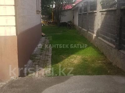 5-комнатный дом помесячно, 220 м², 8 сот., Афцинао — Шаляпина за 500 000 〒 в Алматы, Ауэзовский р-н — фото 4