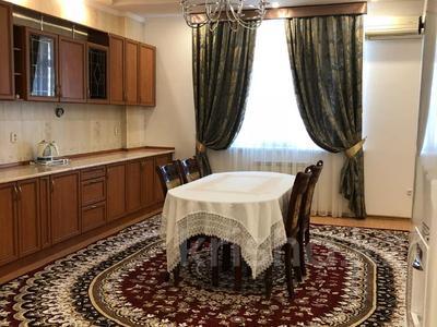 3-комнатная квартира, 115 м², 8/12 этаж помесячно, Кунаева — Торекулова за 200 000 〒 в Шымкенте