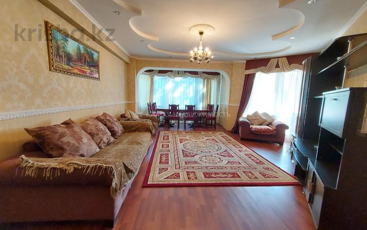 2-комнатная квартира, 86.4 м², 2/10 этаж, Тепличная 12/12 — Жандосова за 29.5 млн 〒 в Алматы, Ауэзовский р-н