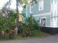8-комнатный дом, 300 м², 17 сот.