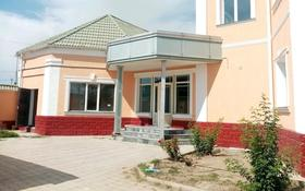 8-комнатный дом помесячно, 420 м², 10 сот., мкр Малый Самал, Мкр Малый Самал 111 за 500 000 〒 в Шымкенте, Аль-Фарабийский р-н