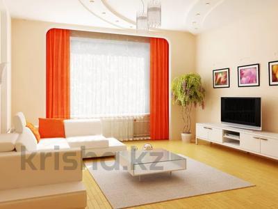 7-комнатный дом, 200 м², 4 сот., Доватора — Прогресса за 25 млн 〒 в Караганде, Казыбек би р-н