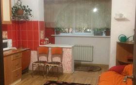 1-комнатная квартира, 40 м², 1/5 этаж помесячно, мкр Мамыр-2, Саина 15 — Шаляпина за 85 000 〒 в Алматы, Ауэзовский р-н