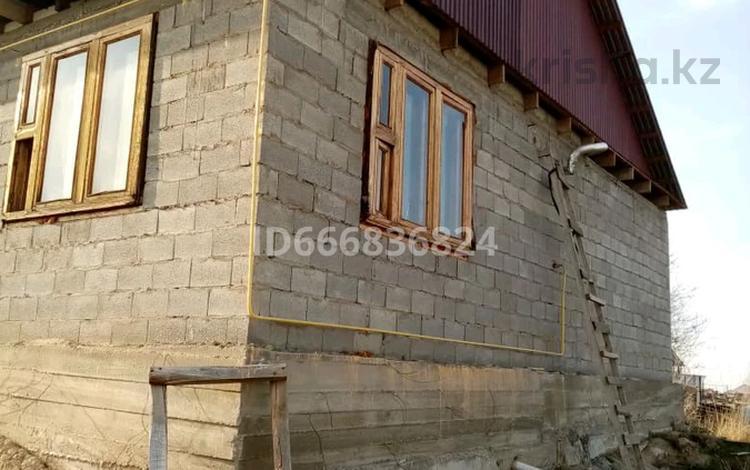4-комнатный дом, 100 м², 10 сот., Мкрорайон Жайнак. Ул. Кунаева 3г 3г за 15 млн 〒 в Боралдае (Бурундай)