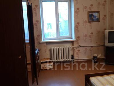 2-комнатная квартира, 64 м², 1/3 этаж, Металлургов 28 за ~ 11.5 млн 〒 в Усть-Каменогорске