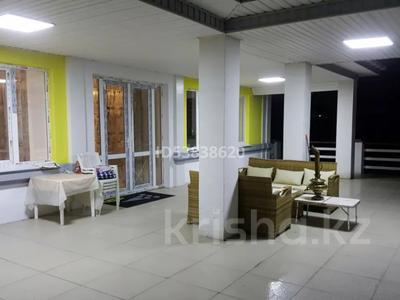 8-комнатный дом помесячно, 700 м², 11 сот., мкр Нурлытау (Энергетик), Бекзада 10a за 1 млн 〒 в Алматы, Бостандыкский р-н — фото 13