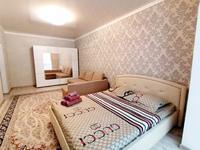 1-комнатная квартира, 50 м², 4/5 этаж посуточно, Тауелсиздик 5 за 9 000 〒 в Актобе