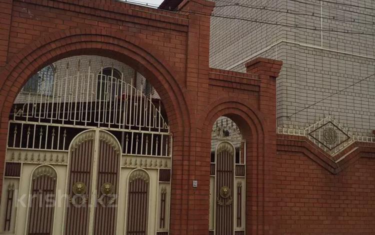 9-комнатный дом, 650 м², Карагул батыра — Сазда-4 за 57 млн 〒 в Актобе, мкр 8
