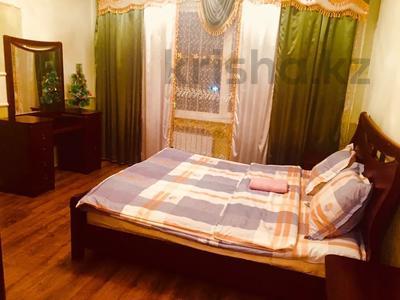 2-комнатная квартира, 80 м², 5/16 этаж посуточно, Мкр Алмагуль 23 за 8 000 〒 в Атырау