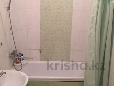 2-комнатная квартира, 80 м², 5/16 этаж посуточно, Мкр Алмагуль 23 за 8 000 〒 в Атырау — фото 7