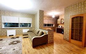 2-комнатная квартира, 75 м² посуточно, Достык 5 за 9 000 〒 в Нур-Султане (Астана), Есиль р-н