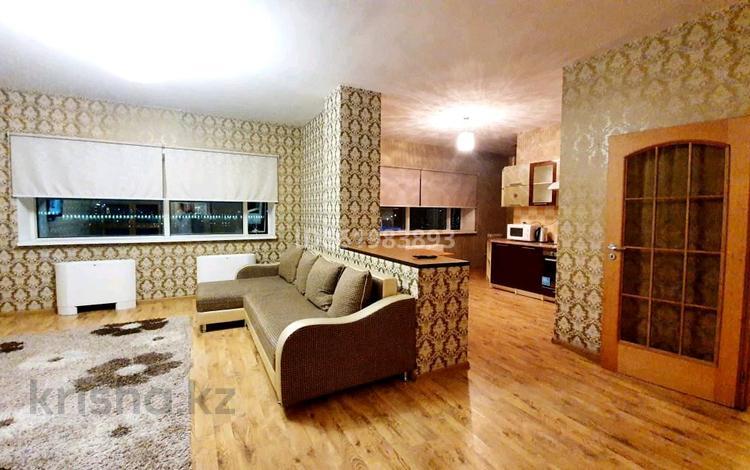 2-комнатная квартира, 75 м² посуточно, Достык 5 за 15 000 〒 в Нур-Султане (Астана), Есиль р-н