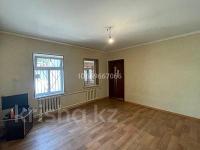 3-комнатный дом, 60 м², Уалиханова — Сасбукаева за 23 млн 〒 в Шымкенте