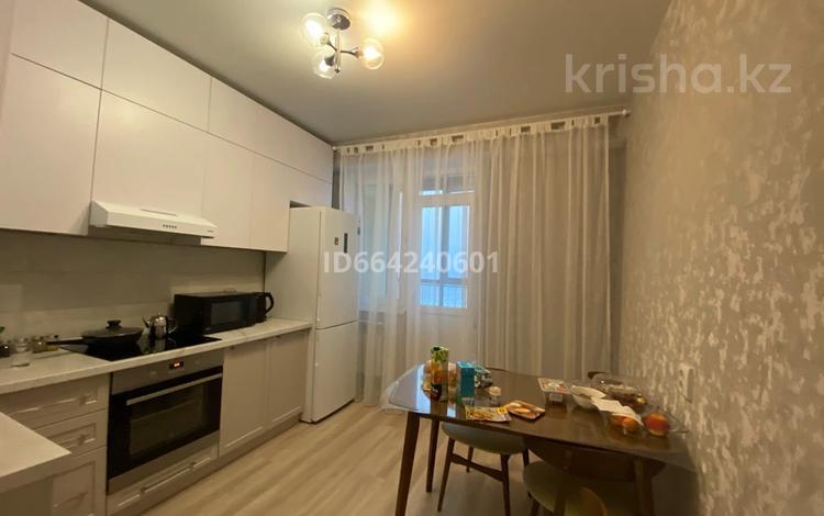 1-комнатная квартира, 45 м², 8/10 этаж помесячно, Сатпаева 55/3 за 150 000 〒 в Усть-Каменогорске