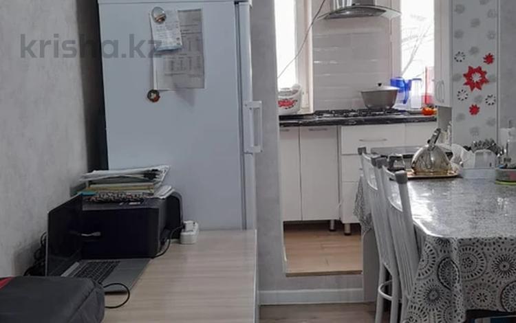 1-комнатная квартира, 38 м², 5/5 этаж, мкр Аксай-4 — Бауыржана Момышулы за 16.5 млн 〒 в Алматы, Ауэзовский р-н