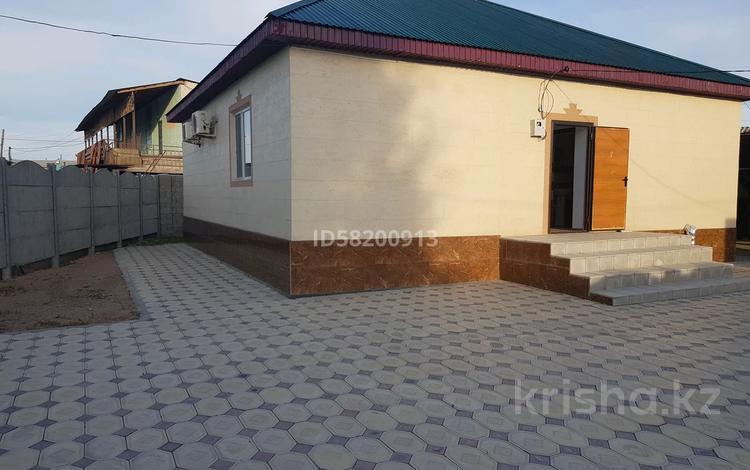 3-комнатный дом, 100 м², 6 сот., Акмолинская 7 — Казыбек би ташкетская за 17 млн 〒 в Таразе