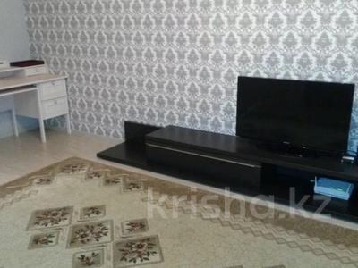 2-комнатная квартира, 70 м² помесячно, Микрорайон Самал 2 за 100 000 〒 в Нур-Султане (Астана), Алматинский р-н — фото 3