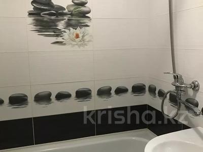 1-комнатная квартира, 42 м², 3/9 этаж посуточно, Естая 140 за 6 500 〒 в Павлодаре — фото 4