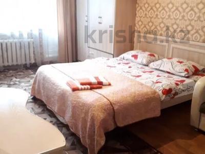 1-комнатная квартира, 42 м², 3/9 этаж посуточно, Естая 140 за 6 500 〒 в Павлодаре — фото 2