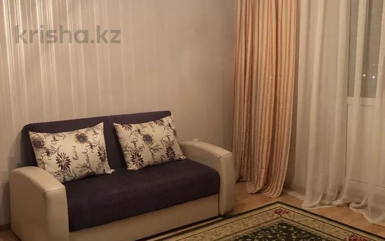 1-комнатная квартира, 34 м², 9/12 этаж посуточно, мкр Акбулак — Момышулы за 7 000 〒 в Алматы, Алатауский р-н