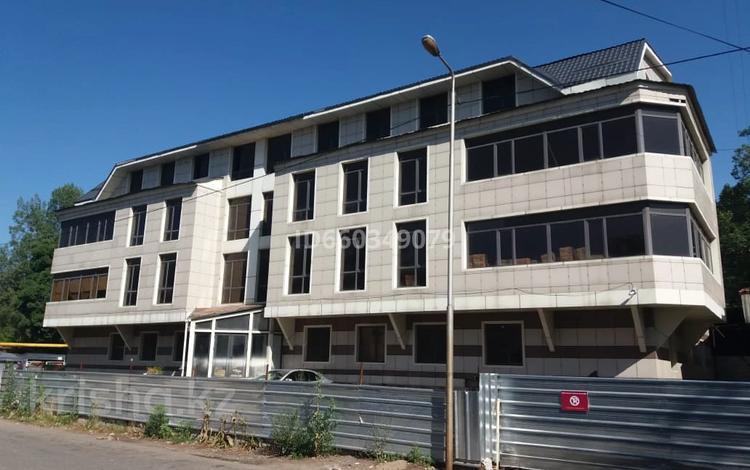 Здание, площадью 2556.2 м², мкр №3, Мкр №3 20А за ~ 387.4 млн 〒 в Алматы, Ауэзовский р-н