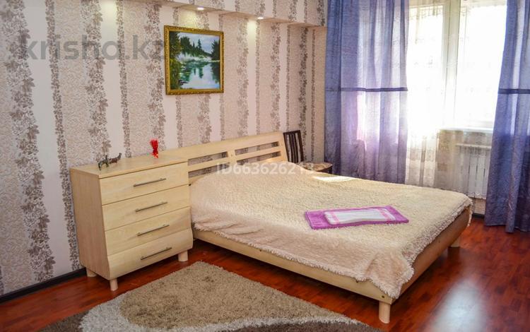1-комнатная квартира, 45 м² посуточно, мкр Коктем-1, Мкр Коктем-1 198 за 8 500 〒 в Алматы, Бостандыкский р-н