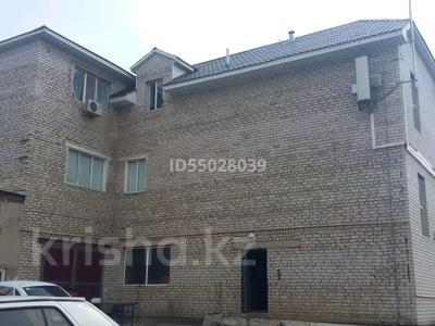 Здание, площадью 497 м², Турара Рыскулова 41 — проспект Мира за 60 млн 〒 в Актобе — фото 12