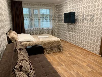 1-комнатная квартира, 38 м², 1/5 этаж посуточно, Гоголя 37 за 9 000 〒 в Караганде