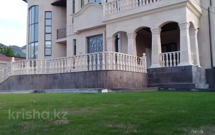 6-комнатный дом, 750 м², 10 сот., Мкр Тараз за 300 млн 〒 в Шымкенте, Каратауский р-н