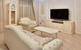 1-комнатная квартира, 60 м², 8/18 этаж посуточно, Баянауыл — Малика Габдуллина за 10 000 〒 в Нур-Султане (Астана)