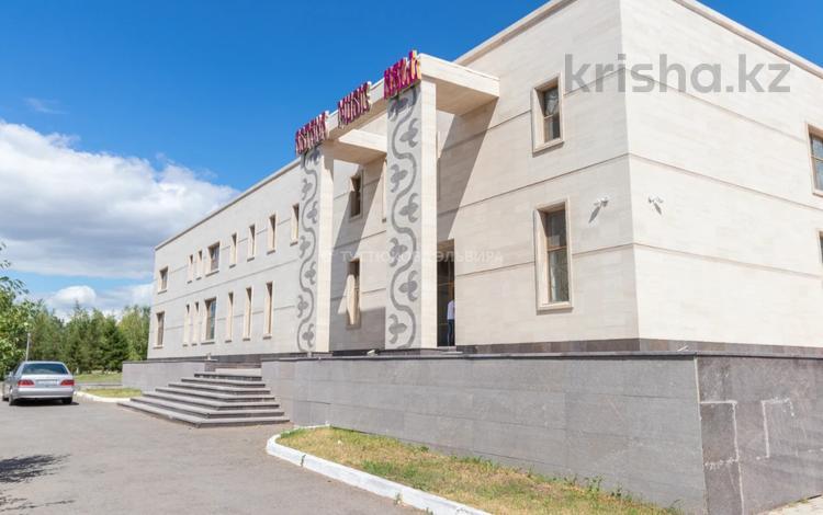 Здание, проспект Бауыржана Момышулы 1 площадью 1782 м² за 5 000 〒 в Нур-Султане (Астана), Алматы р-н