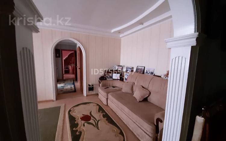 3-комнатная квартира, 96 м², 4/9 этаж, 12 микрорайон 58В за 18 млн 〒 в Актобе, мкр 12