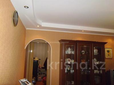 3-комнатная квартира, 60 м², 2/4 этаж, мкр Сайран, Утеген Батыра — Абая за 20 млн 〒 в Алматы, Ауэзовский р-н