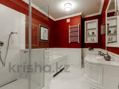 5-комнатная квартира, 220 м², 3/6 этаж помесячно, проспект Кабанбай Батыра 13 за 600 000 〒 в Нур-Султане (Астана), Есиль р-н — фото 5