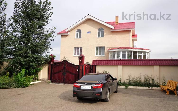 8-комнатный дом, 500 м², 48 сот., Кокорина за 49 млн 〒 в Усть-Каменогорске