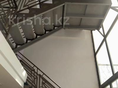 Здание, площадью 600 м², Желтоксан 116 за 100 млн 〒 в Талдыкоргане — фото 6