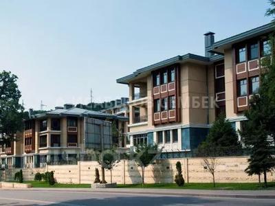 4-комнатная квартира, 220 м², 1/3 этаж, Горная — Оспанова за 260 млн 〒 в Алматы, Медеуский р-н — фото 11