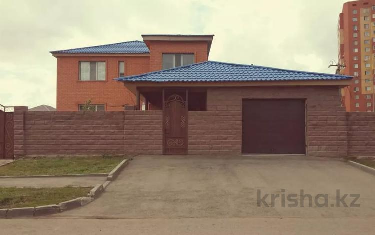 7-комнатный дом, 315 м², 10 сот., Бозбиик 25 — Турлыбаева за 89 млн 〒 в Нур-Султане (Астана), Сарыарка р-н
