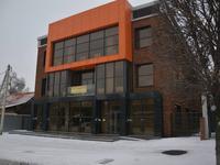 Здание, площадью 1612.4 м²
