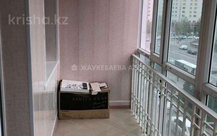2-комнатная квартира, 73.2 м², 3/9 этаж, Д. Кунаева за 37.5 млн 〒 в Нур-Султане (Астане), Есильский р-н