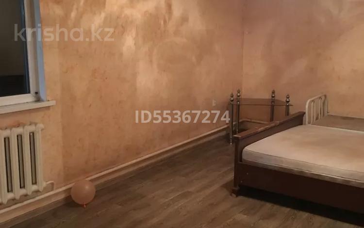 1-комнатная квартира, 50 м², 2/2 этаж помесячно, мкр Шанырак-1, Ак Жол 21 — Утемисова за 50 000 〒 в Алматы, Алатауский р-н